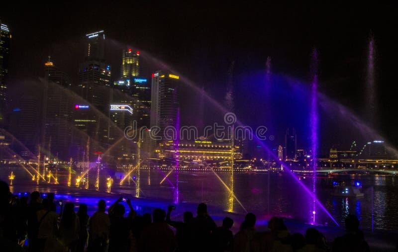 Singapur 11-27-2017: Helle Show gro?artig an den G?rten durch die Bucht lizenzfreie stockfotos