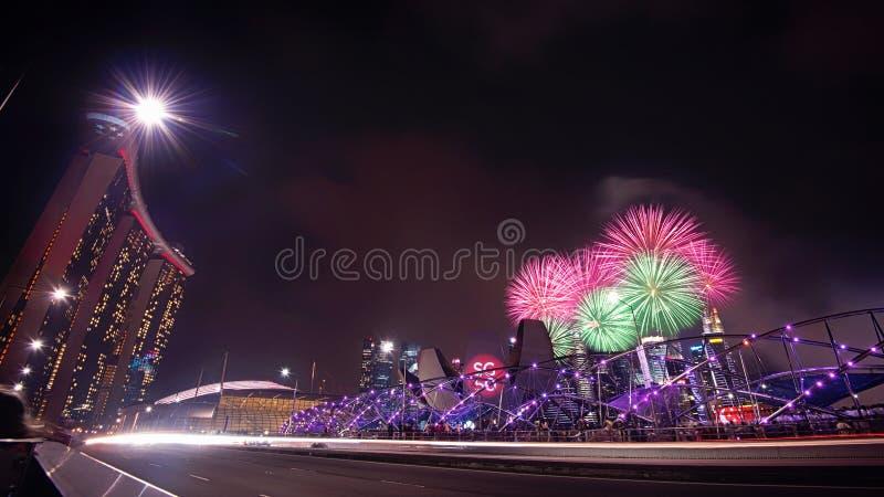 Singapur 50 Jahre Feierfeuerwerk lizenzfreies stockbild