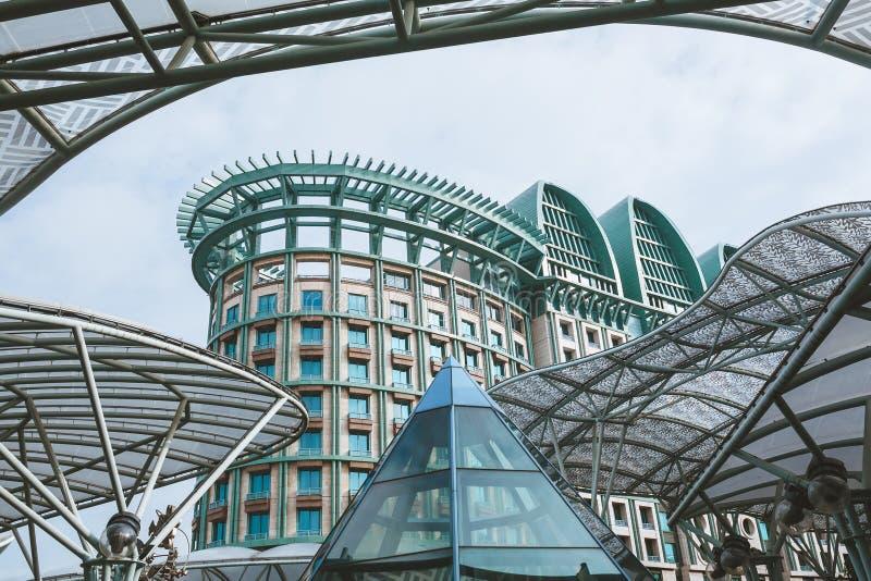 SINGAPUR, JAN - 19, 2016: miastowa scena z nowożytnymi budynkami obrazy royalty free