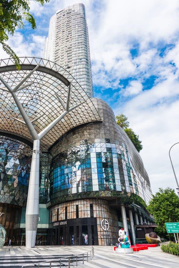 SINGAPUR - 18. JUNI: Tagesansicht von ION Orchard-Einkaufszentrum onJU stockbild