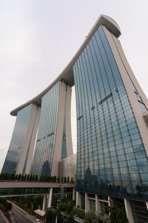 Download Singapur - Junio 13,2014: Marina Bay Sands Hotel Fotografía editorial - Imagen de nuevo, afuera: 41918797