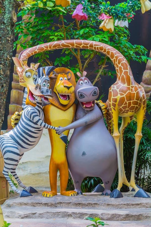 SINGAPUR - Lipiec 20 2015: Turyści i parków tematycznych goście Attra obraz royalty free