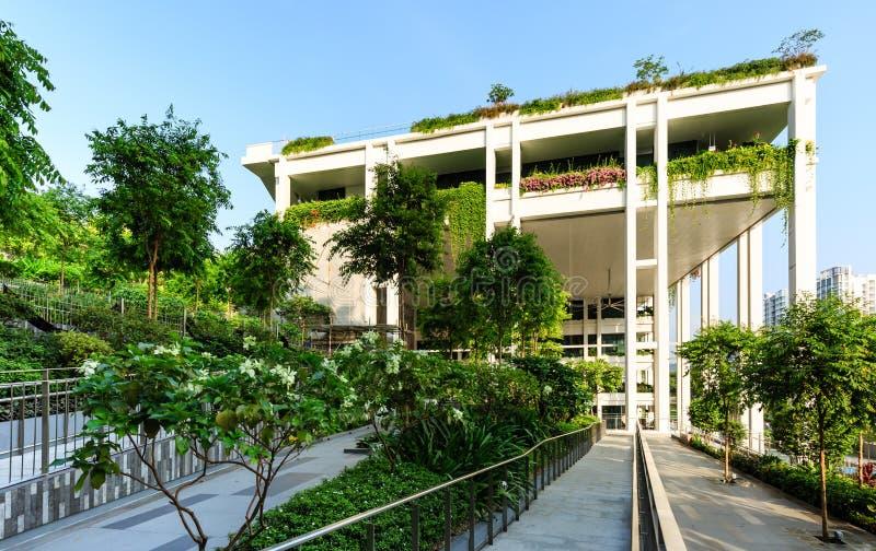 SINGAPUR 23. MÄRZ 2019: Oasen-Terrassengebäude Singapurs neue Nachbarschaftszentrum- und Polyclinicfassade stockfoto