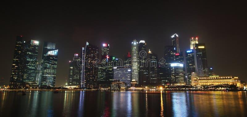 Singapur, Październik 12th 2015 -: Niektóre 49 drapaczy chmur nad 140 metres wysokimi które mogą znajdujący w mieście są w Marina fotografia royalty free