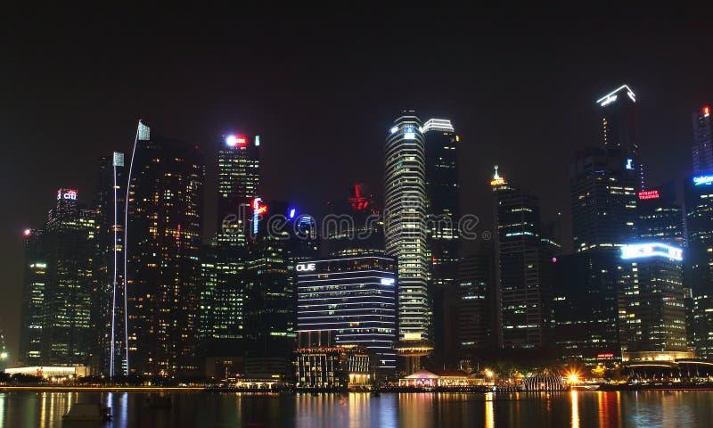 Singapur, Październik 12th 2015 -: Niektóre 49 drapaczy chmur nad 140 metres wysokimi które mogą znajdujący w mieście są w Marina zdjęcie royalty free