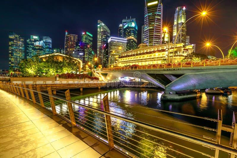 Singapur-Skylinenacht lizenzfreies stockbild