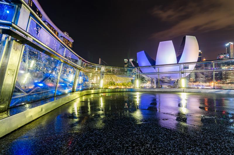 Singapur sztuki nauki muzeum jak widzieć od Helix mosta zdjęcie stock