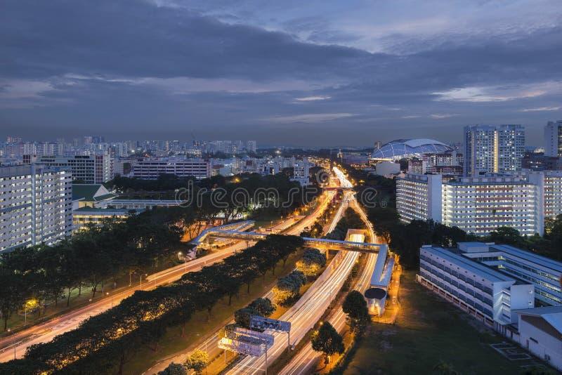 Singapura, Singapura - 3 de dezembro de 2017: Estádio da via expressa de Kallang - de Paya Lebar e do nacional de Singapura imagens de stock