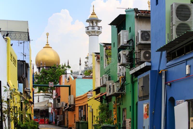 Singapura 11 DE MAIO DE 2019: Opinião de Singapura Sultan Mosque da rua colorida imagens de stock