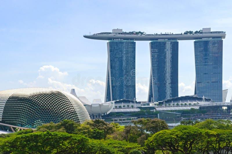 Singapura Marina Bay Sands Casino e teatros da esplanada no foto de stock
