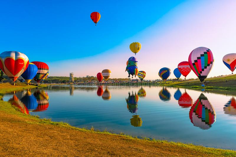 Singha公园国际气球节日2018年在清莱,泰国 图库摄影