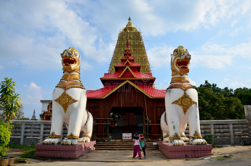 Singha a posizione di Chedi Buddhakhaya vicino a Wat Wang Wiwekaram fotografia stock