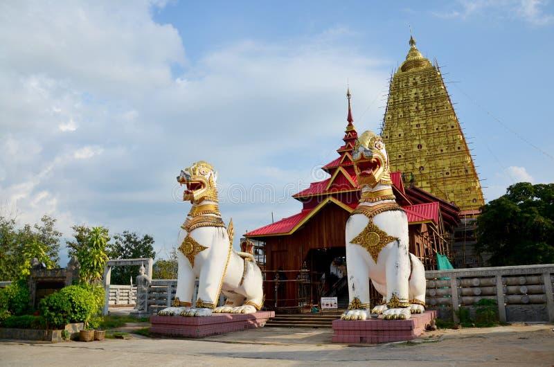 Singha a posizione di Chedi Buddhakhaya vicino a Wat Wang Wiwekaram immagini stock libere da diritti