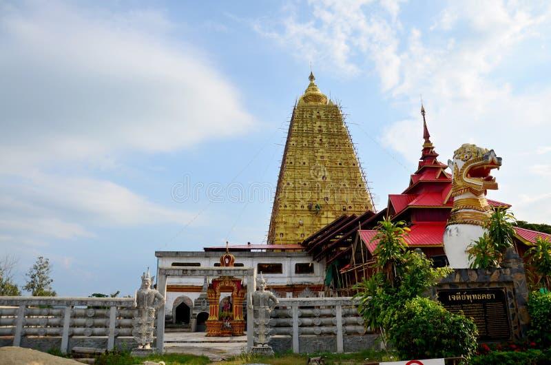 Singha a posizione di Chedi Buddhakhaya vicino a Wat Wang Wiwekaram immagine stock