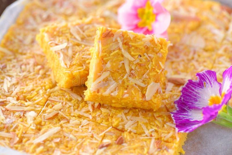 Singher ji mithai- Indische snoepjes Sev Barfi royalty-vrije stock afbeeldingen