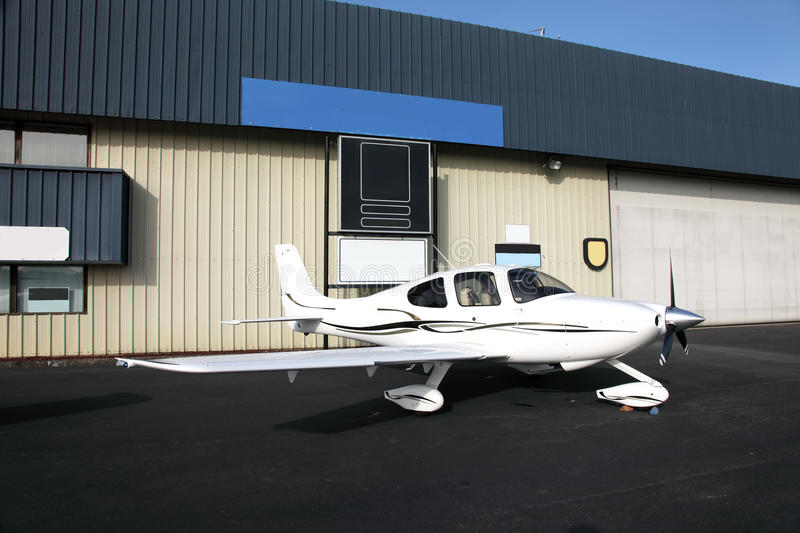 Single engine aircraft. A two man stylish single engine aircraft outside a aviation school in Troutdale Oregon royalty free stock photo