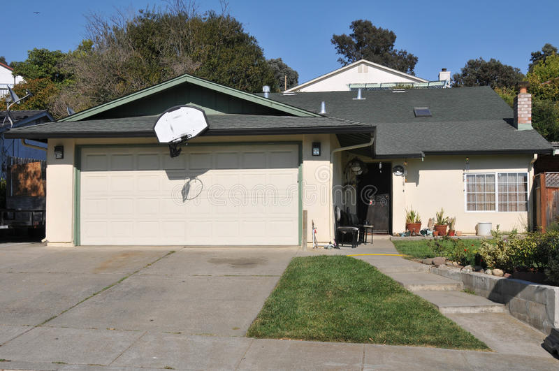 Download Single Family House One Story With Driveway Stock Photo - Image: 21060904