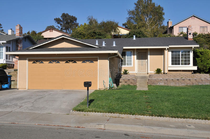 Download Single Family House One Story With Driveway Stock Photo - Image: 21060906