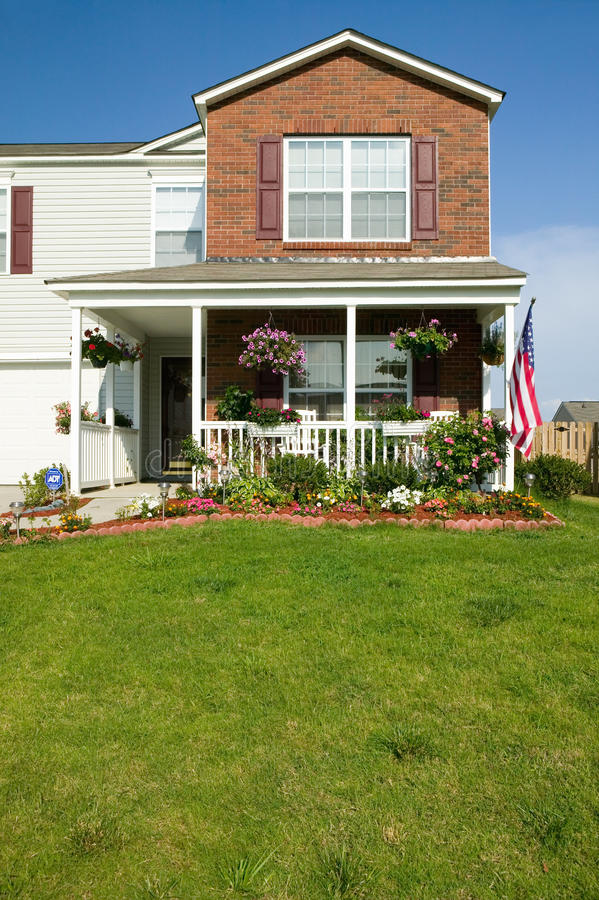 Singola casa nel nuovo progetto abitativo vicino a Charlotte, Nord Carolina fotografie stock libere da diritti