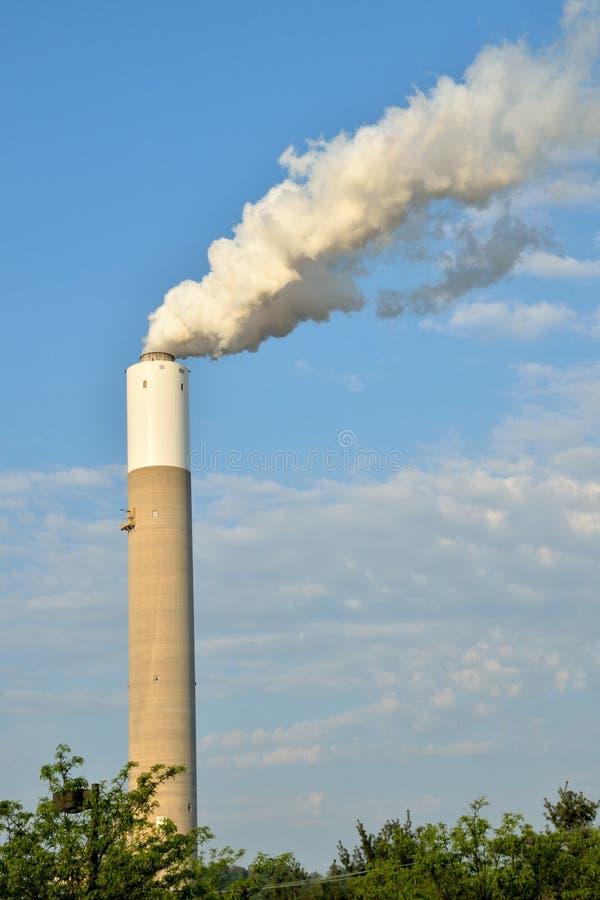 Singola pila di fumo immagine stock