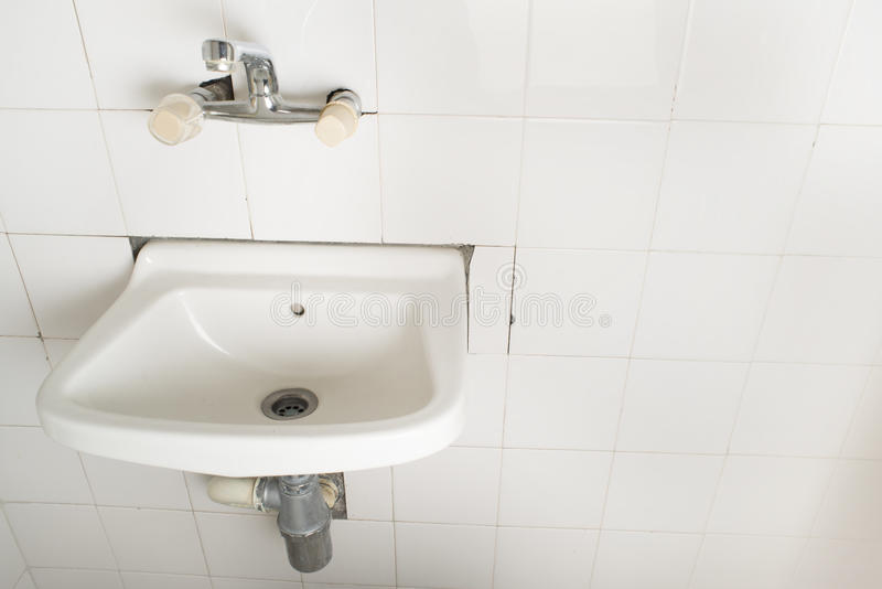 Download Sink And Pipes Royalty Free Stock Photos - Image: 31369068