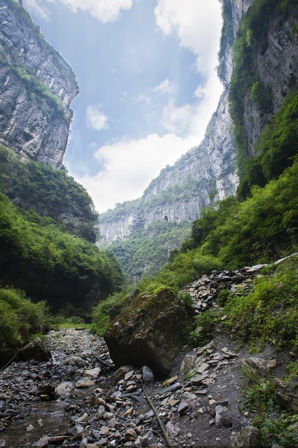 Sinkhole i wulong, chongqing, porslin royaltyfria foton