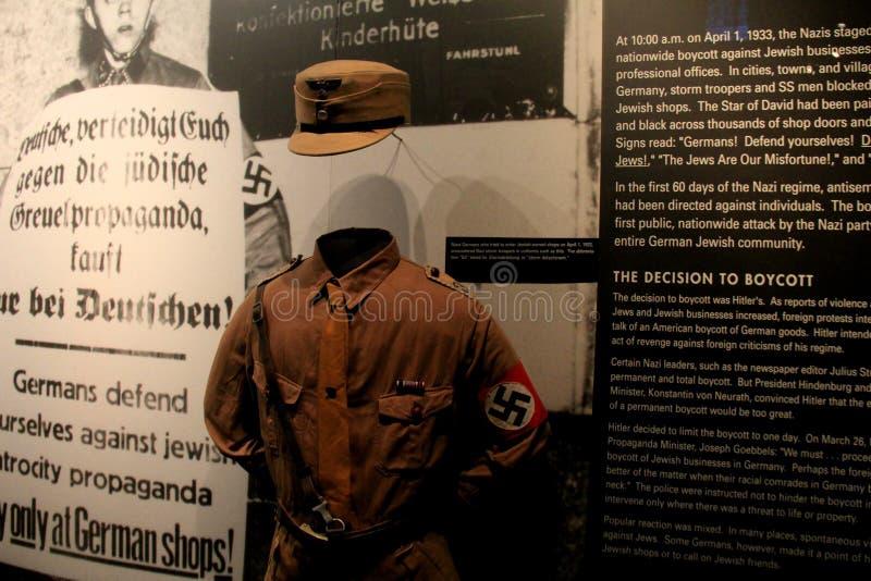 Sinnesrörelseplatsen i en av många ställer ut att ställa ut grymheter under WWII, det minnes- museet för Förenta staternaförintel royaltyfri fotografi
