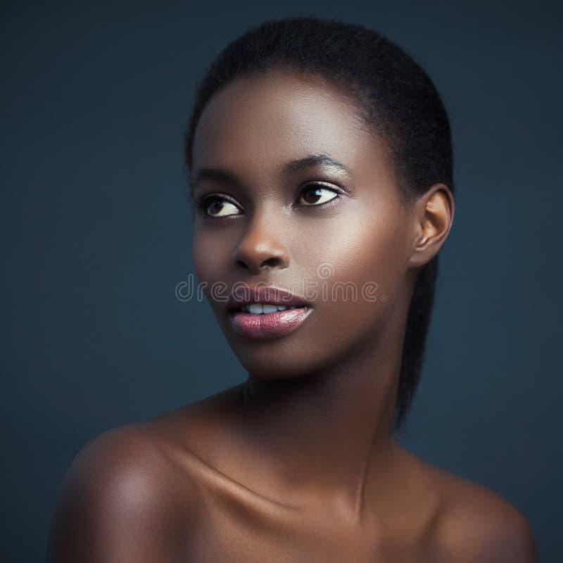 Sinnliche Afrikanerin lizenzfreie stockfotos