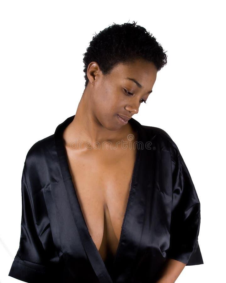 Sinnliche Afroamerikanerfrau lizenzfreie stockfotografie