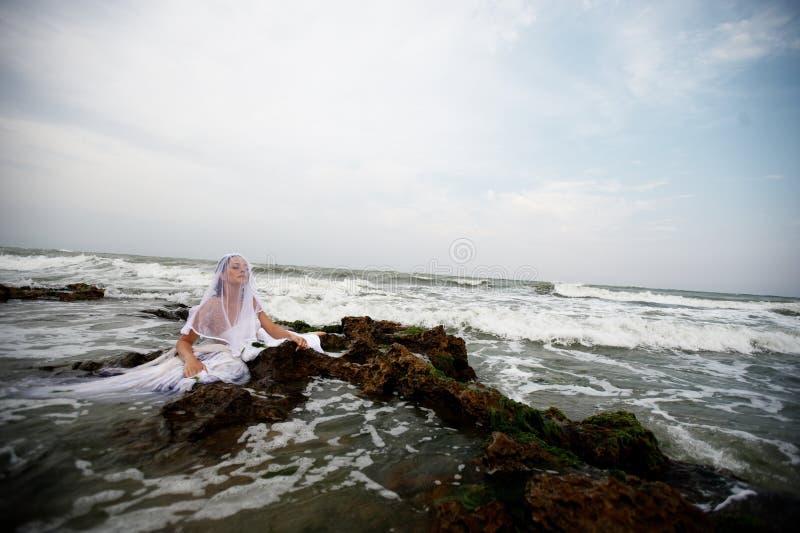 Sinnliche Braut der Meere stockfotos