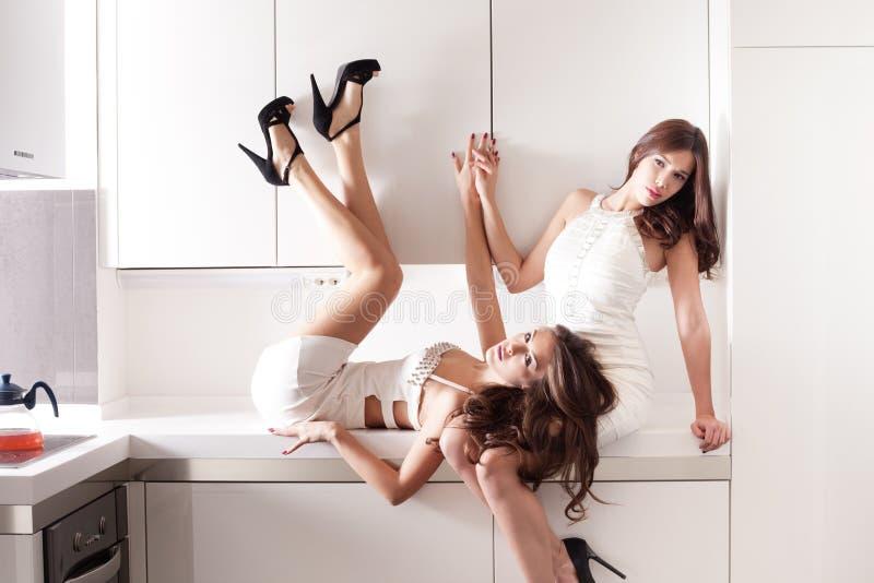 Sinnliga kvinnor royaltyfri fotografi