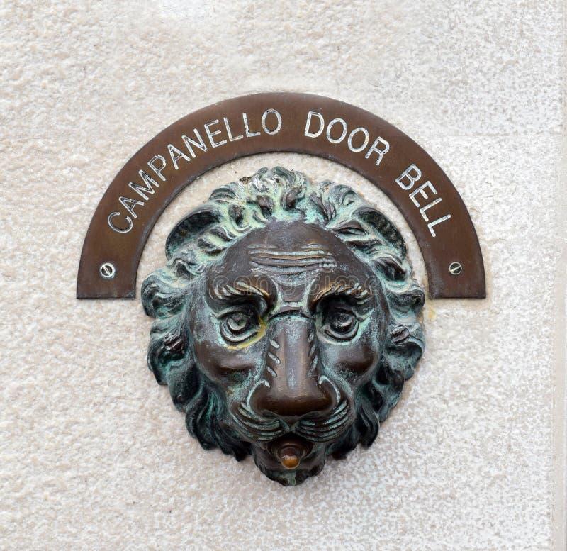 Sino de porta de Campanello, Veneza, Itália fotografia de stock