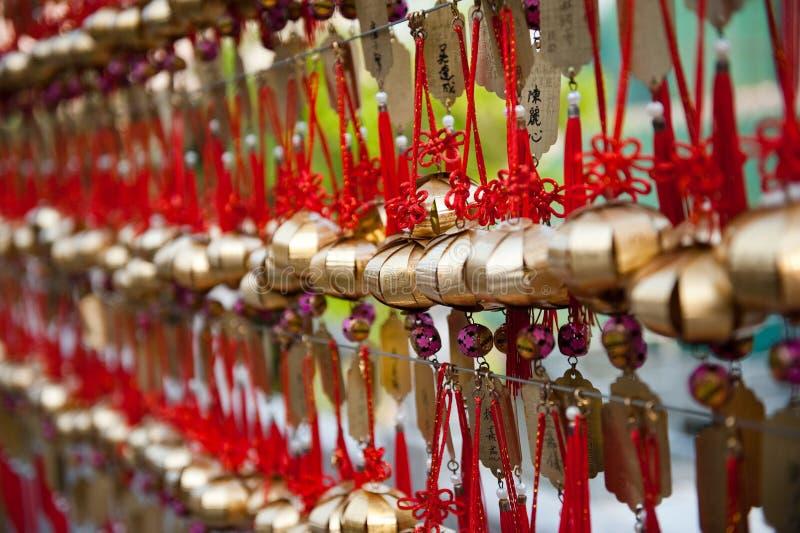 Sinos da oração em Hong Kong fotografia de stock