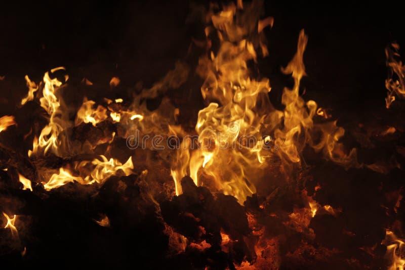 Sintels van het branden van afval van de pulpindustrie royalty-vrije stock foto's