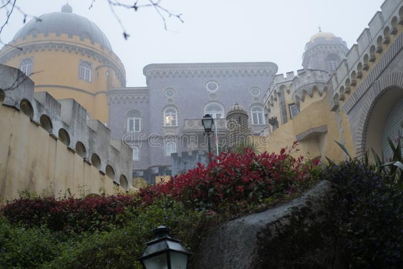 Sintra pałac w mgłowym dniu zdjęcia royalty free