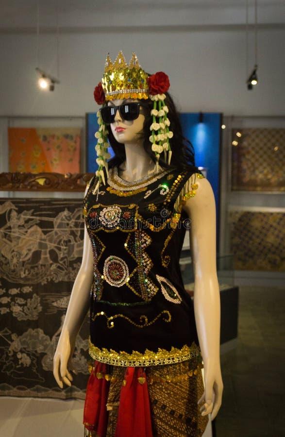 Sintren come uno di arte tradizionale di dancing e del carattere dal museo Pekalongan Indonesia del batik contenuto foto di Pekal immagine stock libera da diritti
