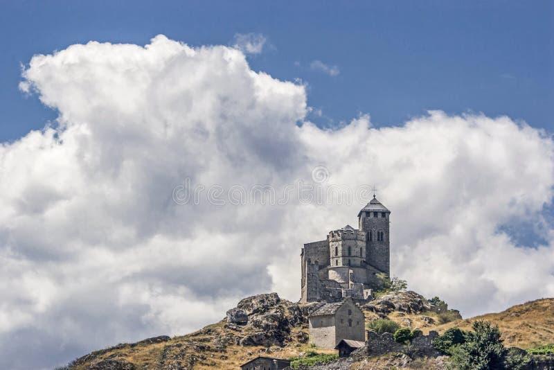 Sion est une ville dans la vallée du Rhône et la capitale du canton du Valais à la bouche du Sionne dans le Rhône  photos stock
