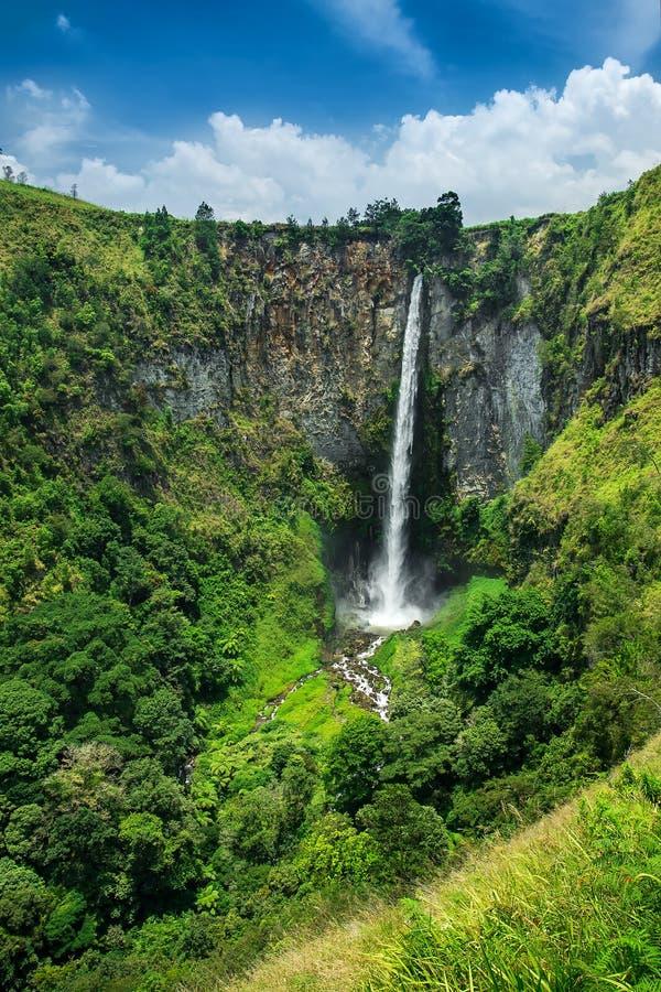 Sipisopiso (或Sipiso Piso)瀑布,苏门答腊, Indones 免版税库存照片