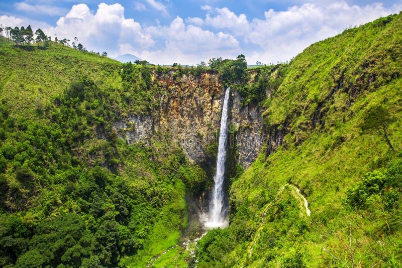 Sipisopiso-Wasserfall in Nord-Sumatra stockfoto