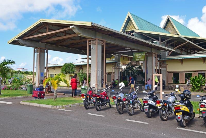 Sir Gaetan Duval Airport är en flygplats som lokaliseras nära Plaine Corail på Rodrigues, ett öberoende av Mauritius royaltyfri bild