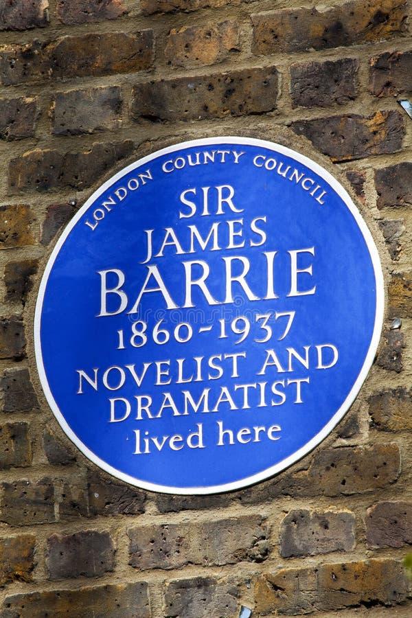 Sir James Barrie Blue Plaque en Londres foto de archivo libre de regalías