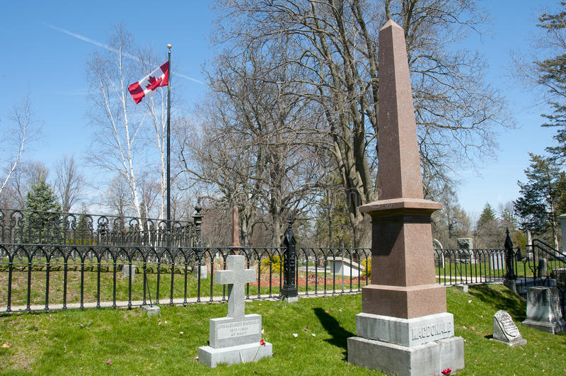 Sir John A Macdonald Grave en el cementerio de Cataraqui - Kingston - Canadá fotos de archivo