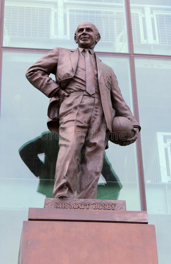Sir Matt Busby Statue em Trafford velho imagem de stock