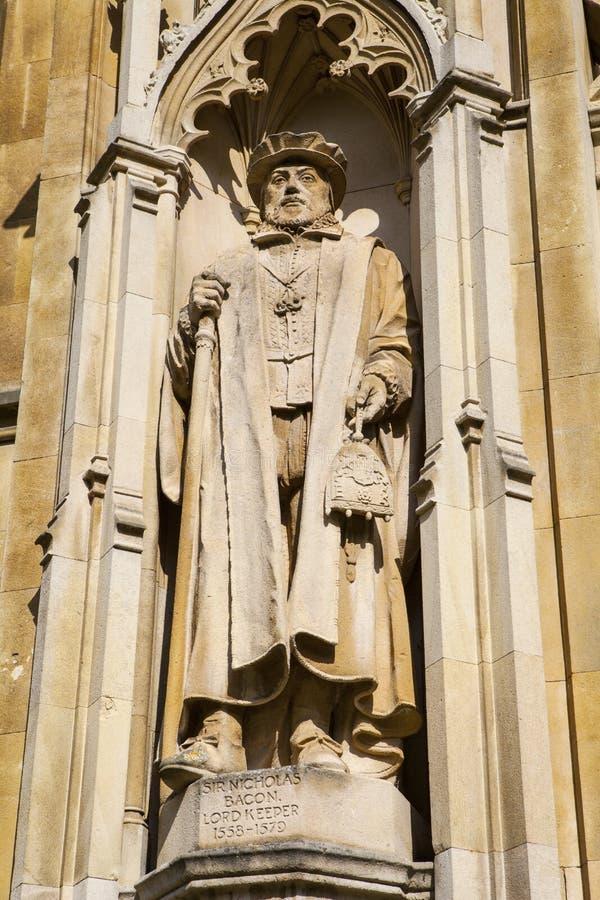 Sir Nicholas Bekonowa statua przy Corpus Christi szkołą wyższa zdjęcia stock