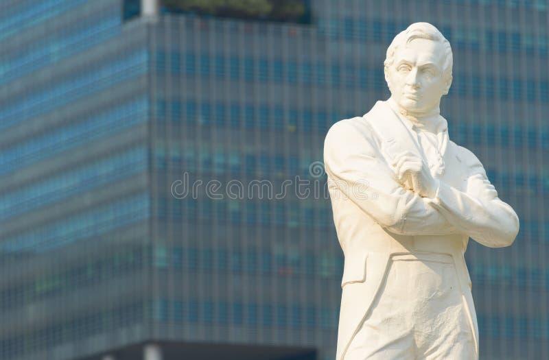 Sir Stamford Raffles staty, Singapore arkivbild