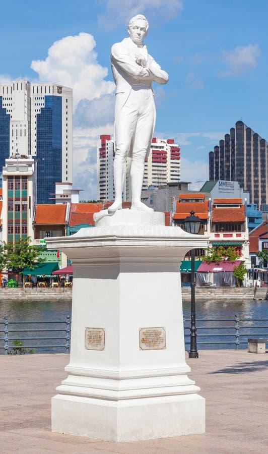 Sir Thomas Stamford Raflles statua w Singapur obrazy royalty free
