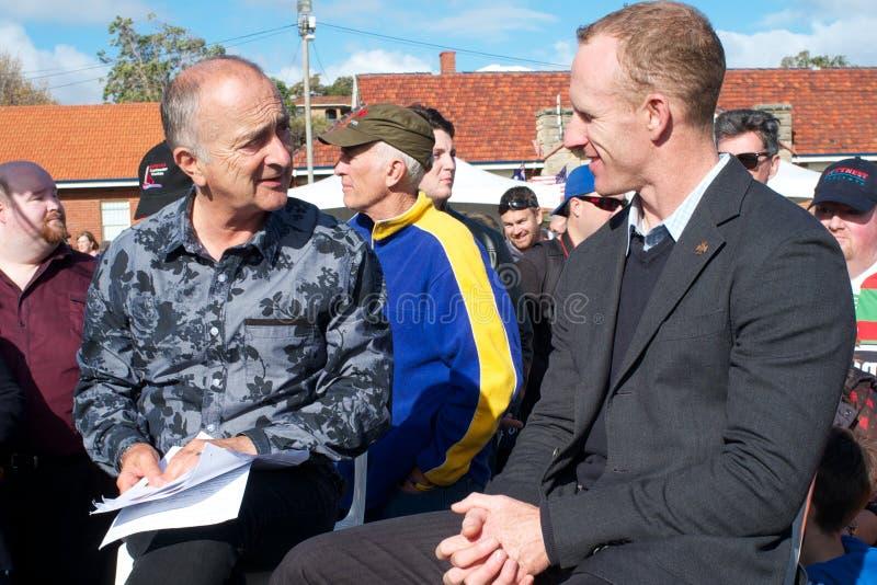 Sir Tony Robinson et Mark Donaldson, VC, Fremantl image stock