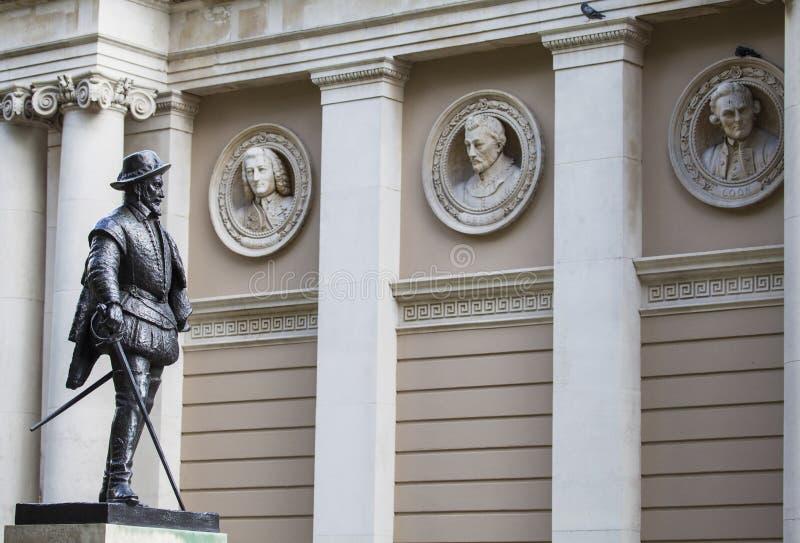 Sir Walter Raleigh statua w Greenwich obraz stock