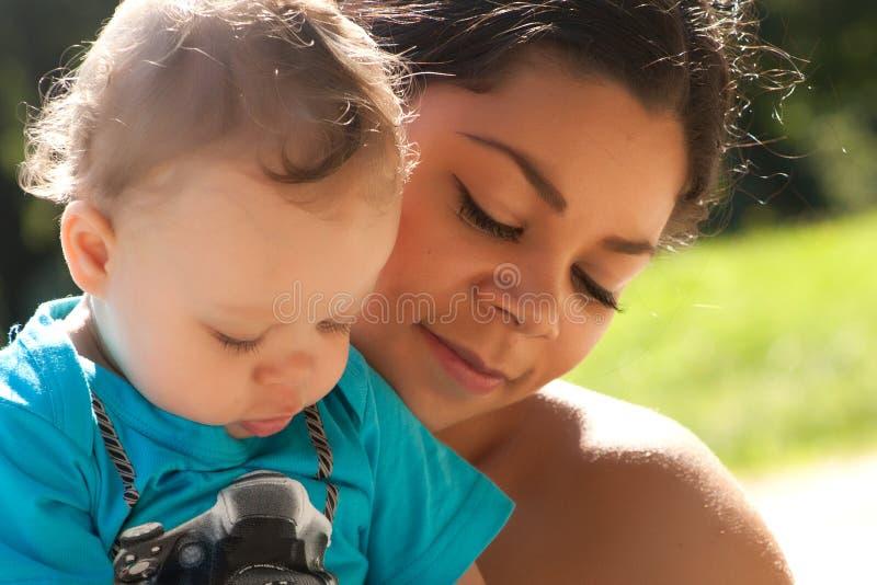 Sira de mãe e seu filho fotos de stock