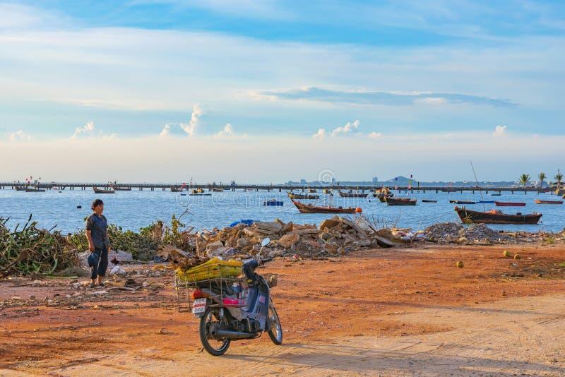 Siracha que pesca la ciudad foto de archivo libre de regalías